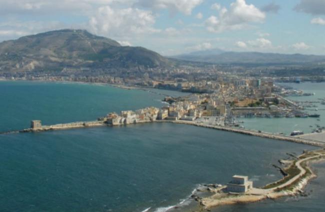 Trapani met uitzicht op Monte Erice, 751m
